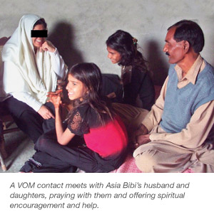 Husband and daughters of Asia Bibi